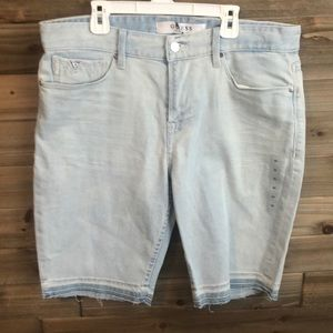 *New* Guess light wash, raw hem Jean Shorts Size33